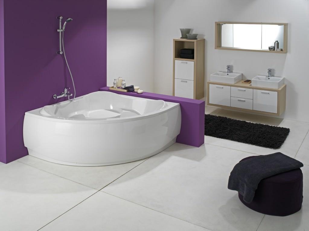 Умывальная комната с акриловой ванной