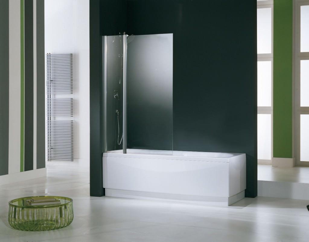 Ванна со стеклянной шторкой