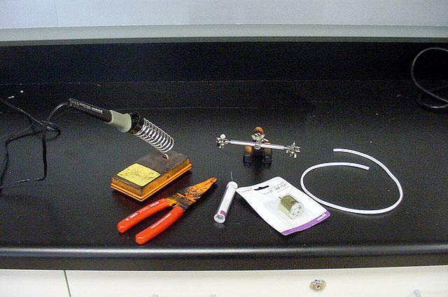 инструменты и материалы для пайки провода к проводу