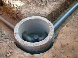 Бетонное кольцо и трубы для канализации
