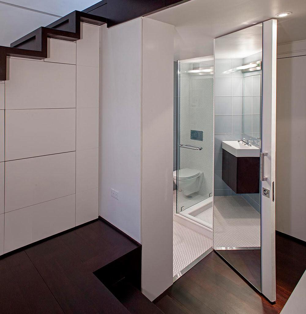 На что обратить внимание при выборе двери для ванной и туалета?
