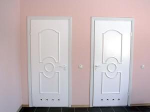 Пластиковые двери для ванной комнаты