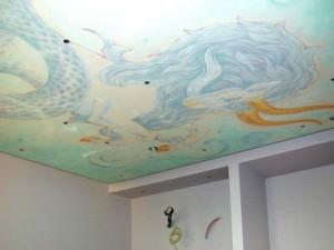 Расписной потолок в ванной