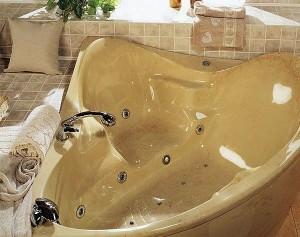 Угловая ванна из натурального камня