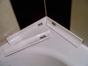 Угловой бордюр для ванной