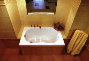 Маленькая прямоугольная ванна