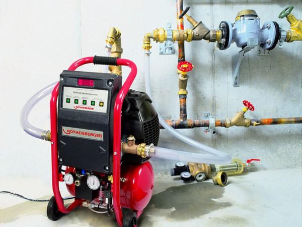 Использование профессионального насосного оборудования для химической промывки системы отопления в частном доме
