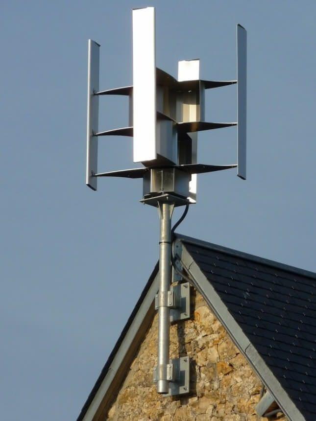 Ветрогенератор на крыше дома